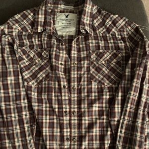 Xxl American eagle vintage fit snap down.